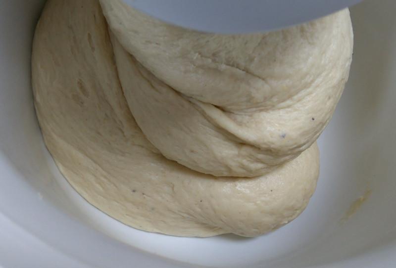 Hefeteig fertig geknetet.
